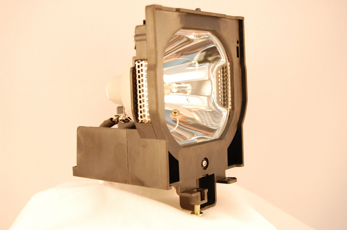 CHRISTIE Projector lamp for LU77; LX100; 38-VIV403-01; 38-VIV402-01; RoadRunner LX100; LX77