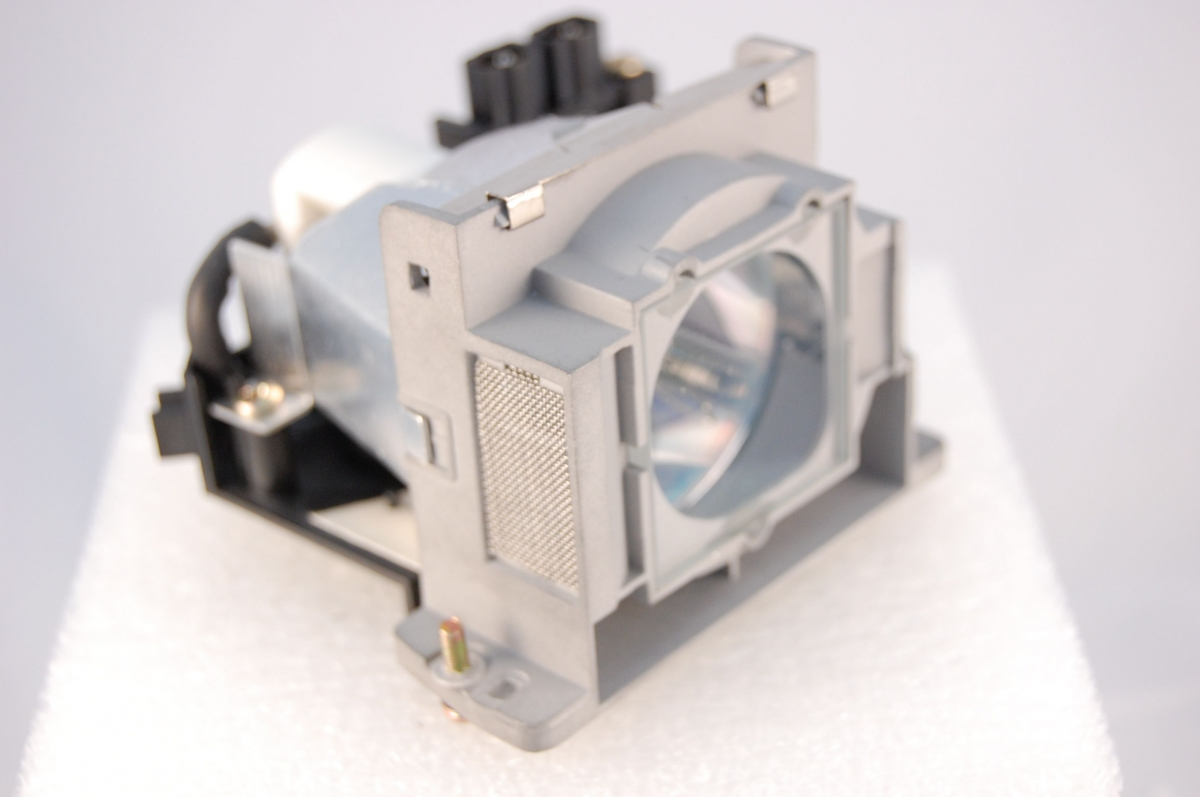 Compatible Projector lamp for YAMAHA DPX-830