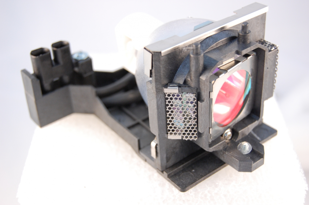 Compatible Projector lamp for SAVILLE AV 59.J9901.CG1