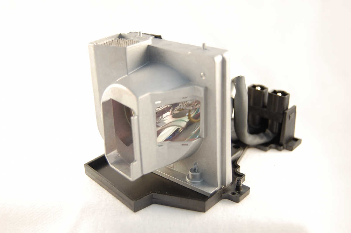 Projector Lamps and Bulbs : Replacement Projector Lamps | Kinetik ...