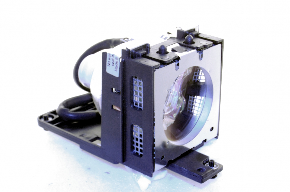 Compatible Projector lamp for SAVILLE AV SS-1200